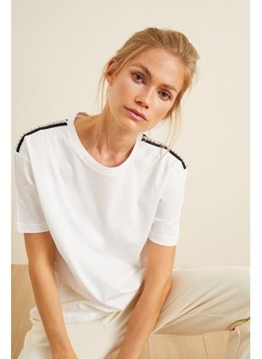 Love My Body Omuzları Şerit Detaylı T-shirt Beyaz